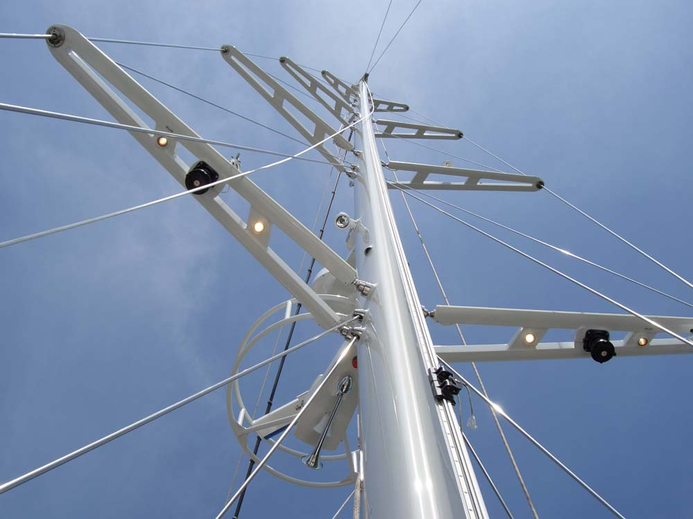 Yacht Sailboat Mast Inspection